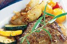 Skinkschnitzel med dragonsås och klyftpotatis