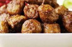 Köttbullar med inlagd gurka och lingon
