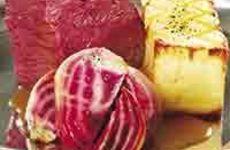 Helstekt rumpstek med bakade polkabetor och äppelsky