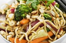 Vegetarisk wok med cashewnötter