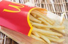 McDonaldsrestaurang börjar med pommes frites-buffé