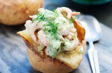 Bakad potatis med räkröra