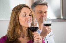 Forskare: Därför är det bra för din hjärna att njuta av ett glas vin ibland