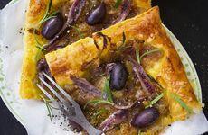 Lökflarn med oliver